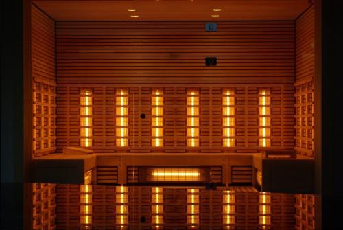 infrared-sauna-776994 1920