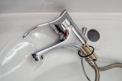 plumber-2788330 1920
