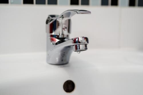 plumber-2788334 1920