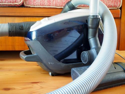 vacuum-cleaner-2717154 1920